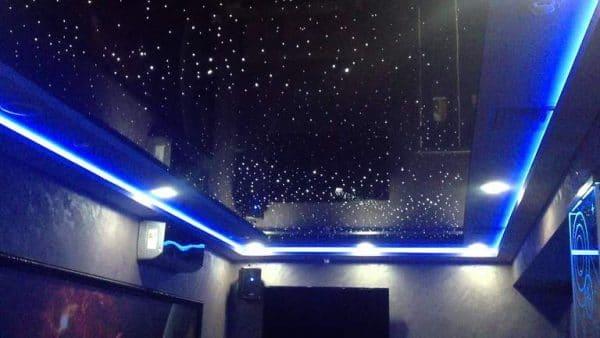"""глянцевый натяжной потолок с эффектом """"звездного неба"""""""