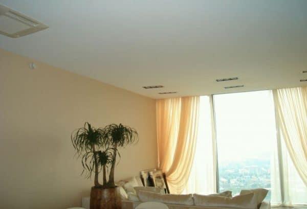 Матовый одноуровневый натяжной потолок