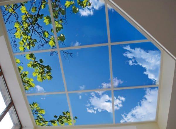 натяжной потолок окно в небо