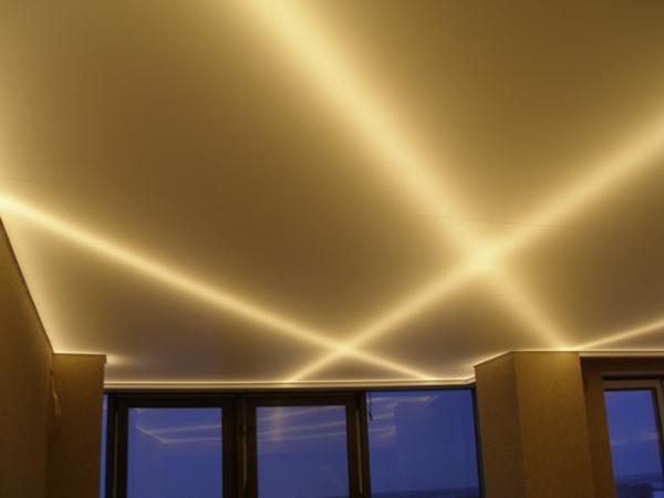 золотой натяжной потолок
