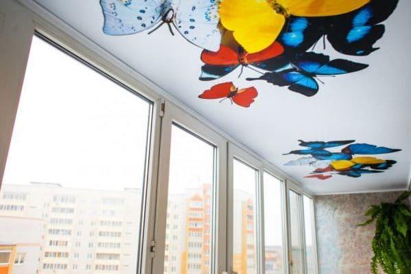 natyazhnoj-potolok-na-balkone-13