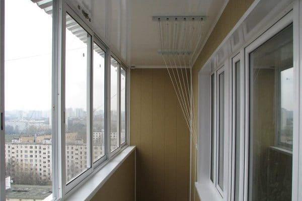 natyazhnoj-potolok-na-balkone-6
