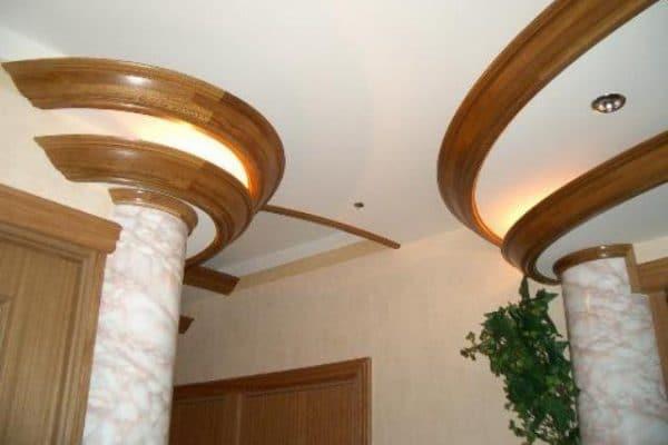 плинтус для натяжного потолка полиуретановый