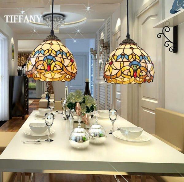 люстра тиффани для освещения кухни с натяжным потолком