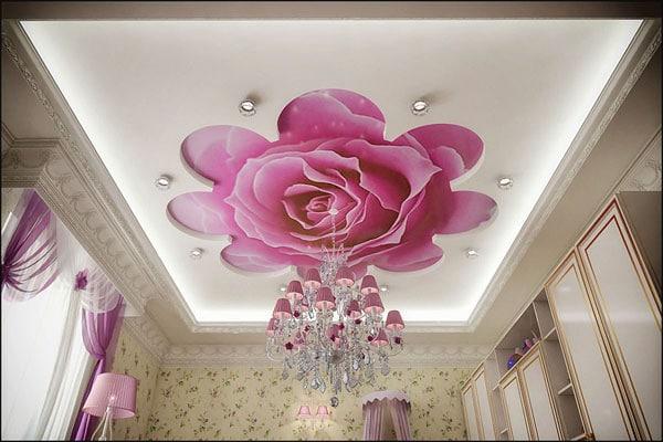 натяжной потолок с розами в детской