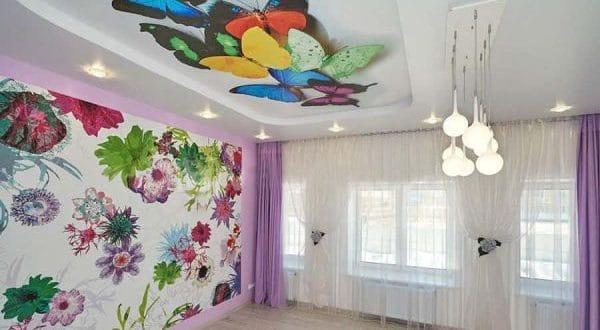 натяжные потолки с бабочками