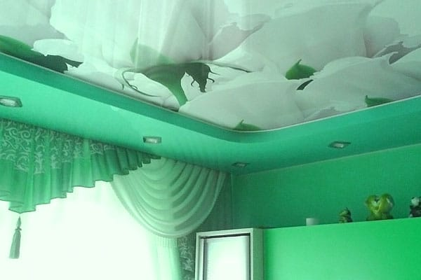 отличие натяжного потолка от подвесного