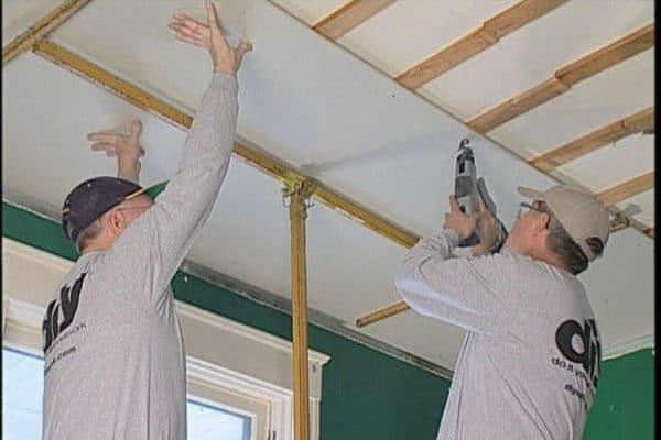 чем отличается натяжной потолок от подвесного