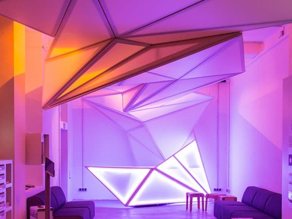французские натяжные потолки Renolit с подсветкой