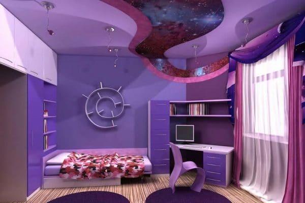 фиолетовый натяжной потолок в детской