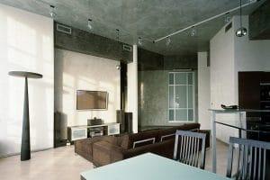 Гостиная с натяжным потолком венецианская штукатурка