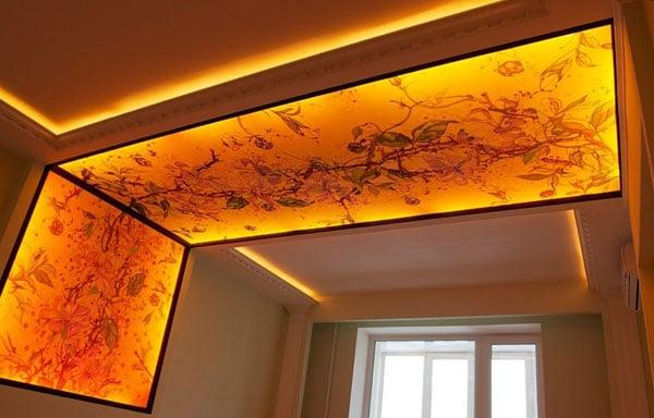 натяжной потолок с переходом на стену