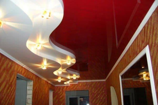 натяжные потолки Скай в прихожей