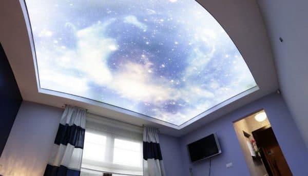 светопропускающий натяжной потолок