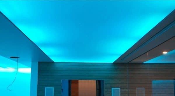 Cветопропускающий натяжной потолок