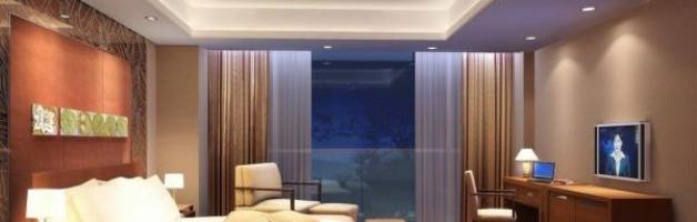 освещение натяжного потолка в спальне