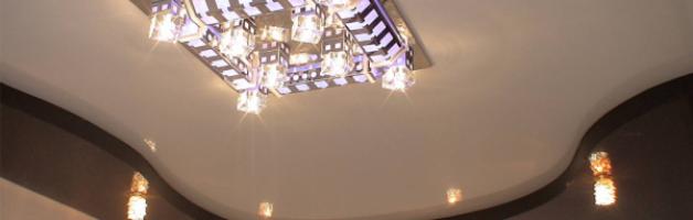 расположение лампочек на натяжном потолке